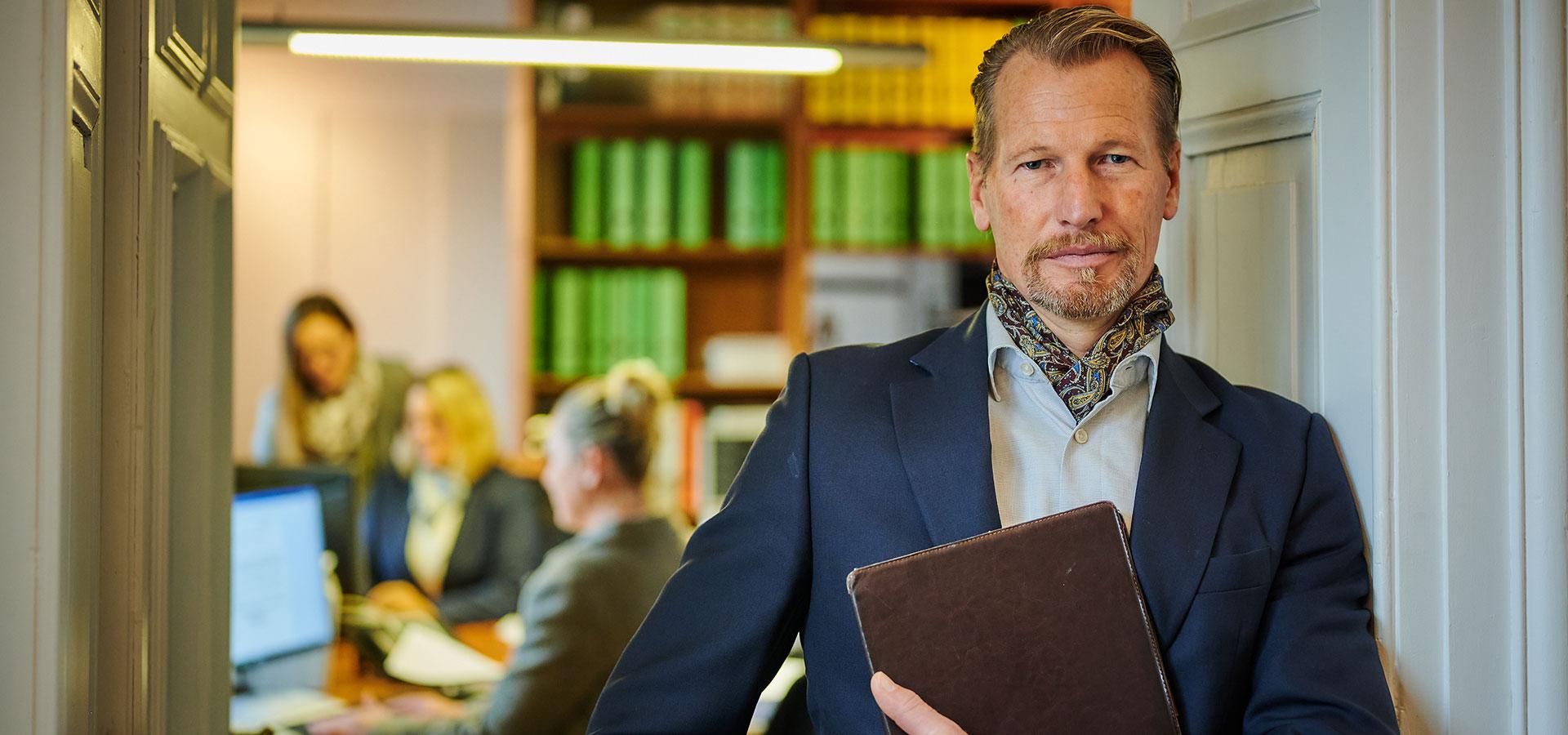 Rechtsanwalt Lippold Freiherr von Rössing, Inhaber der Kanzlei von Rössing und Partner in Eggenfelden und Maging