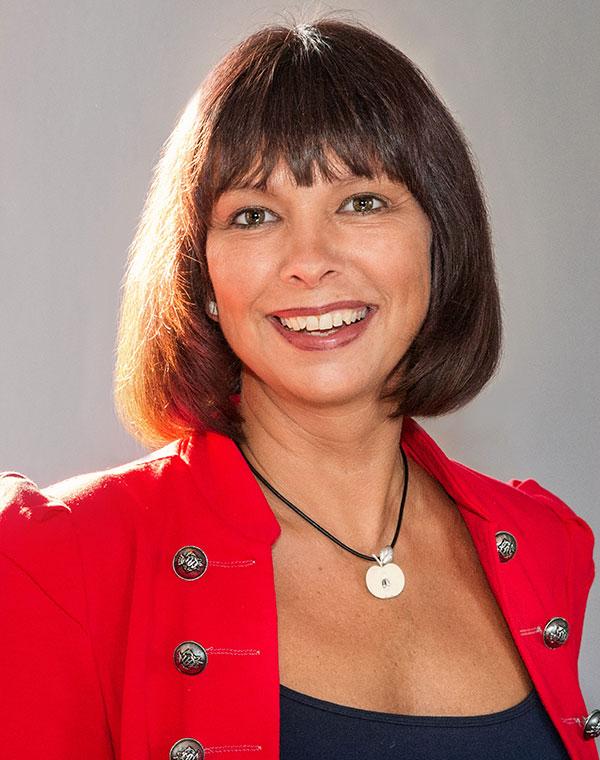 Nicole Ellmer, Kaufmännische Büroangestellte